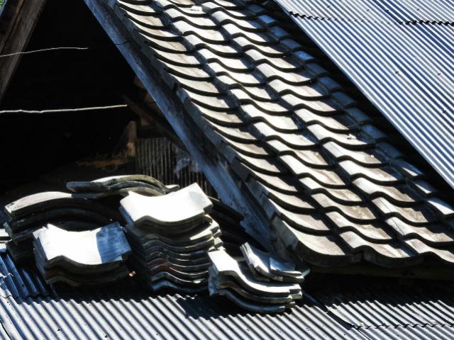台風前に対策しよう!強風で屋根が飛ぶ前にしておくべきこと