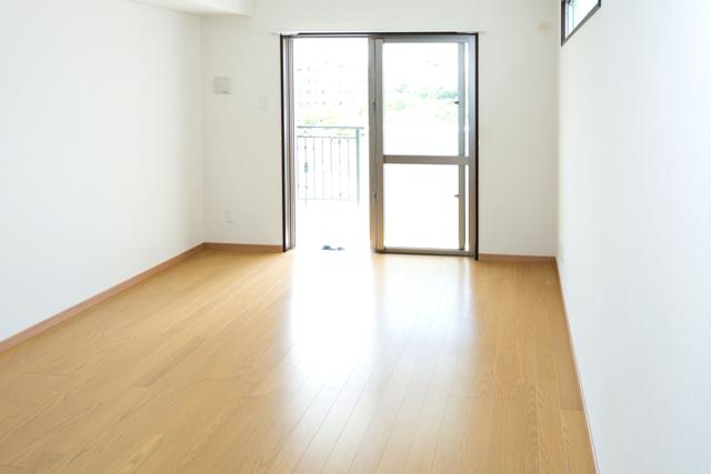 フローリングにはどんな種類がある? 床材の種類と特徴