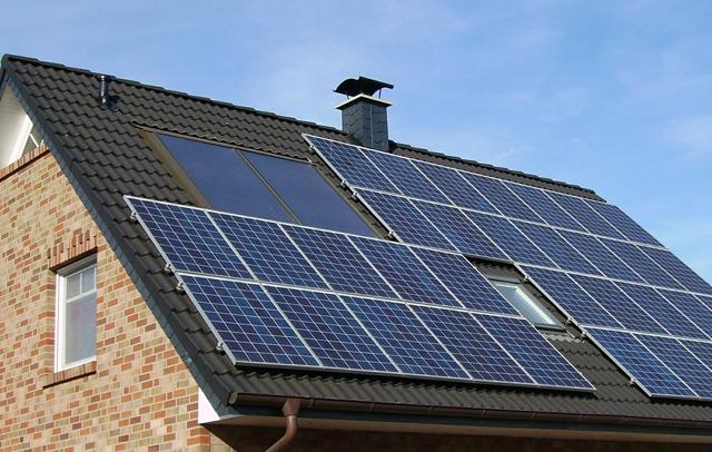 屋根に太陽光発電を設置する際の注意点