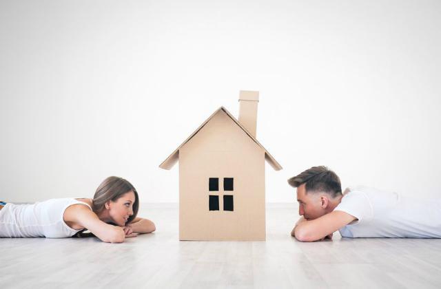 外壁にカビができる原因と落とし方とは? 予防する方法も紹介